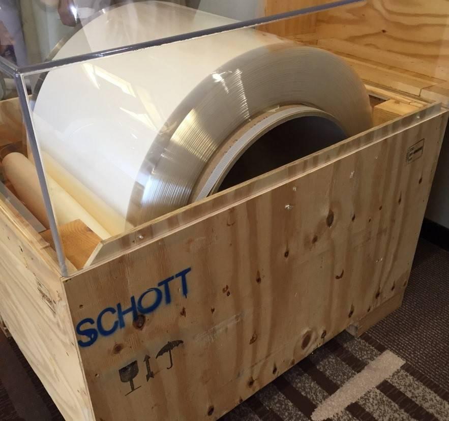 Spool of ultra-thin glass